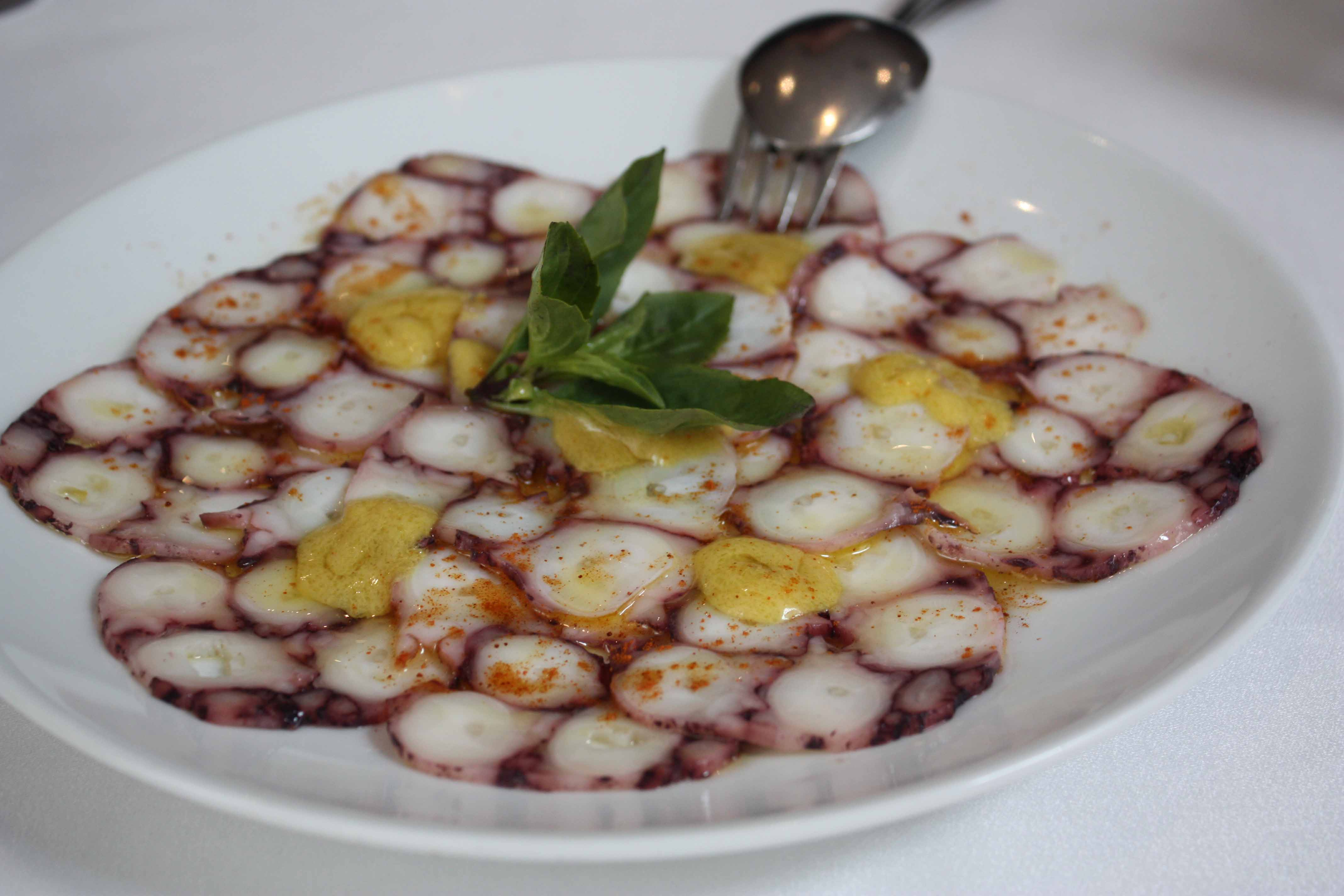 Asia macau faim oui oui for Authentic portuguese cuisine